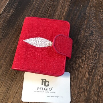 PELGIO スティングレイ エイ革 ガルーシャ 本革 短財布 ボタン