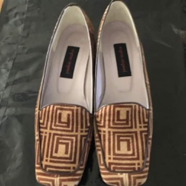 yoshie inaba ベージュブラウンスェード革靴22,5cm190915-1 < 女性ファッションの