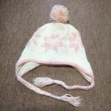 女の子用.毛糸の帽子