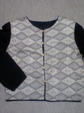 エスニック調ジャケット黒フォーマル風ノーカラー上品