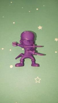 ワンピースロロノア・ゾロ紫色ミニフィギュア