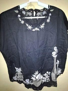 素敵なブラウスML 黒に刺繍か素敵