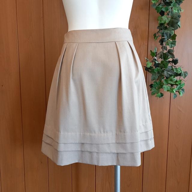 【訳あり】ウエストリボンフレアスカート★ひざ丈スカート★グレ < 女性ファッションの