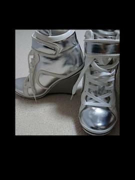 B2013 ファッションアイテム/シルバー ショートブーツ