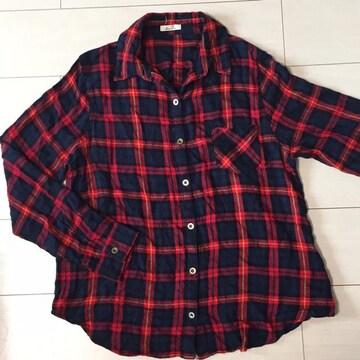 赤チェック長袖シャツ☆ネルシャツ☆カットソー☆袖調節可能☆