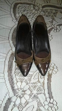 �H茶色の靴