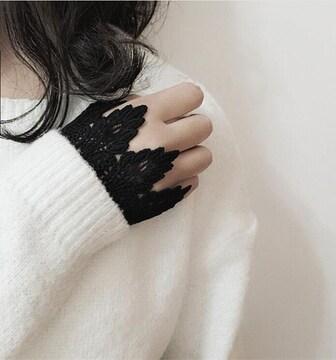 新品[7534]黒レース編みカフス2枚セット/付け袖/ゴシック/パンク