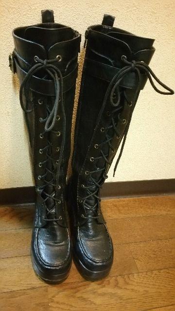 送料無料/AKB48風ブラック編み上げ厚底ロングブーツ定価24800円の品  < 女性ファッションの