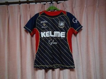 KELMEのTシャツ(S)!。