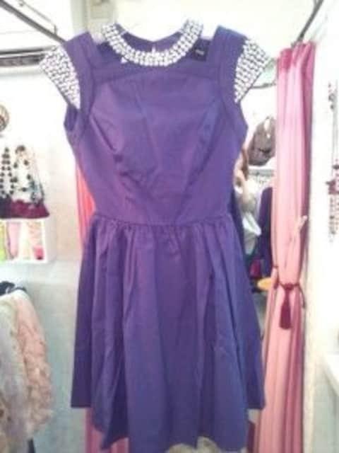 パープルフレアミニワンピースドレスでかビジューゴージャスS  < 女性ファッションの