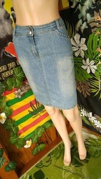 大きいサイズ★キラストーン付&深スリット入★デニムスカート
