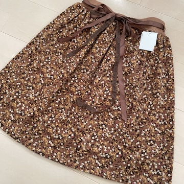 新品 花柄 フレアスカート