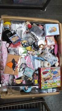 大処分!アニメ玩具雑貨詰め合わせ福袋(B)
