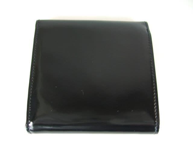 フェラガモ三折財布ガンチーニエナメル黒 < ブランドの