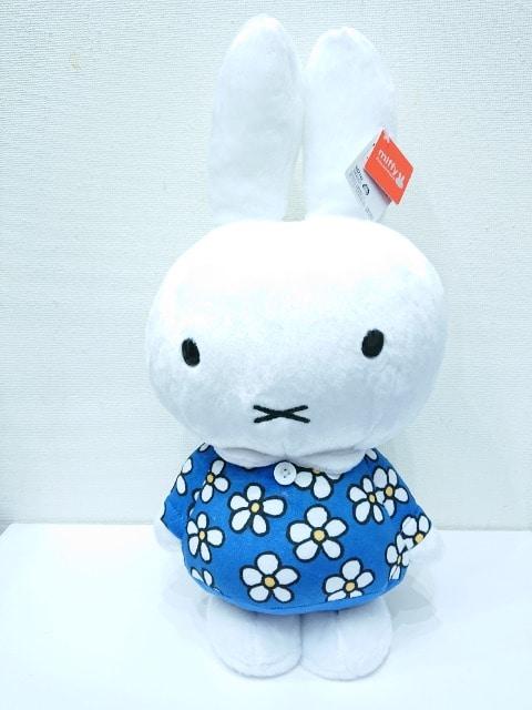 ミッフィー特大サイズぬいぐるみ(おたんじょうび)  < アニメ/コミック/キャラクターの