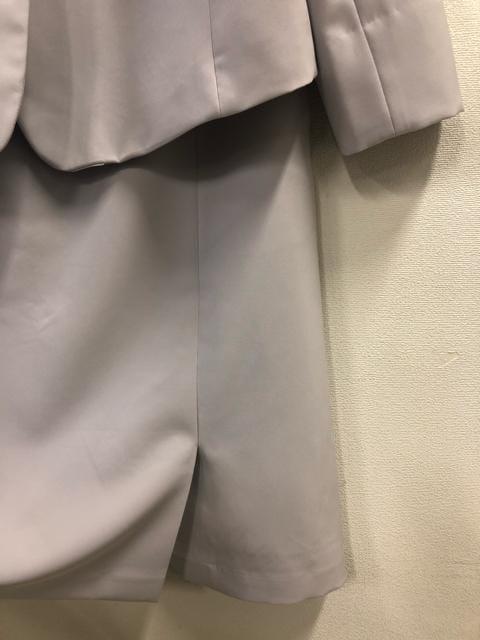 新品☆3Lストレッチスカートスーツ ライトグレー☆d370 < 女性ファッションの