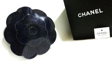 正規美 レア シャネルCHANEL ラージカメリアブローチ黒系紺 ネイビー コサージュ 11cm