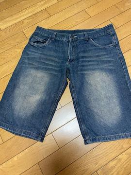 デニム半ズボン