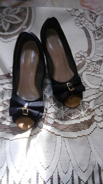 ∞ オシャレな黒の靴