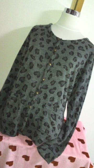 大きいサイズ新品ハートヒョウ柄カーデLLグレー  < 女性ファッションの