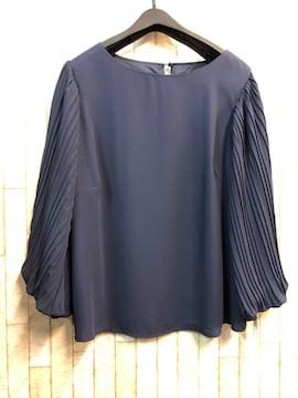 新品☆LLサイズ袖プリーツきれいめブラウス紺☆s920