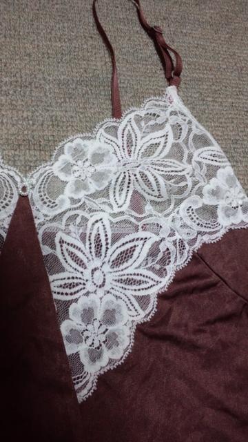 キャミソール★ゴージャス白レースビーズ下着っぽくなく素敵 < 女性ファッションの