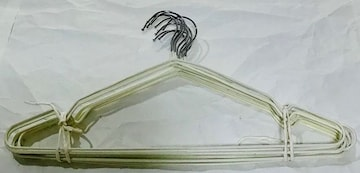 ズレ落ちにくいハンガー白10本7定形外郵便配送可能