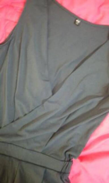 UNIQLOお胸深Vカシュクールデザインが素敵なオールインワン < ブランドの
