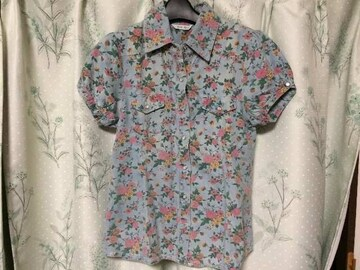 新品未使用デニムシャツ花柄半袖