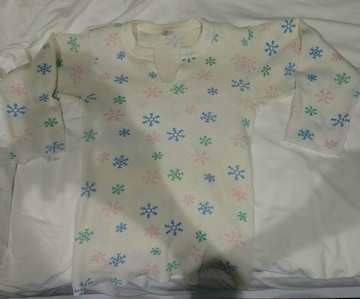 雪の結晶柄 サーマルTシャツ 七分袖 袖 衿 カットオフ 古着 綿