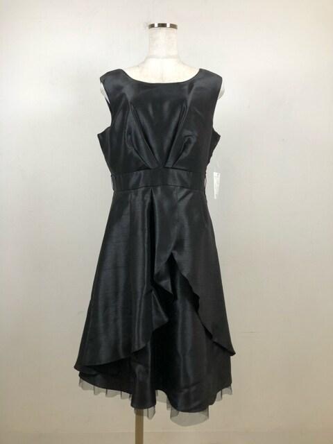 新品☆15号黒のパーティーワンピース+ずれないケープ付♪m185 < 女性ファッションの