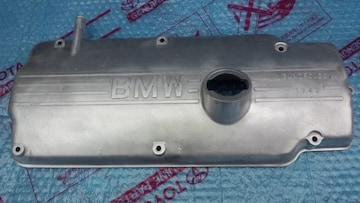 BMW 2002 タペットカバー 中古品