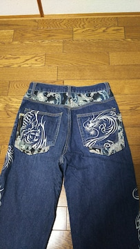 稚結の和がら、刺繍のジーンズ、デニム