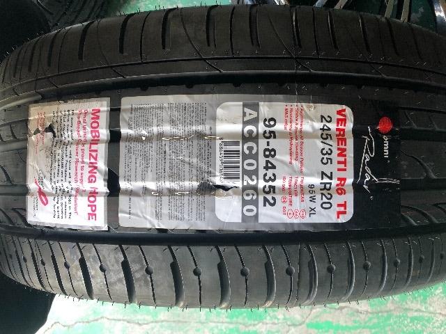 6081232)セダンミニバン迫力満点ロクサ-ニブラックポリッシュ245/35ZR20送料無料 < 自動車/バイク
