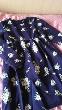 お洒落な長袖ワンピース☆紺&花柄 S