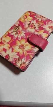 新品未使用COACH二つ折り財布送料無料