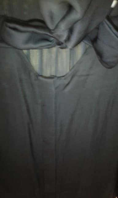光沢つるてろ素材リボン結びゆったりブラウス日本製 < 女性ファッションの