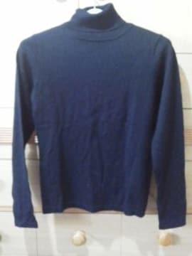 黒のシンプルなタートルセーター 毛混の暖かいニット/送料250円