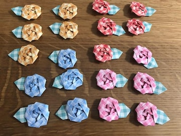 ハンドメイド 折り紙 ミニバラ 20コ 壁面飾り プレゼント飾り