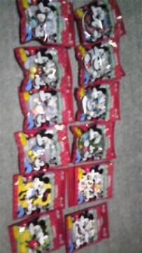 ディズニーキャラクター☆フィギュアストラップ、缶ケース、ふせん、12Pフルセット