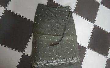 UNIQLO Lサイズ 巻きスカート 美品