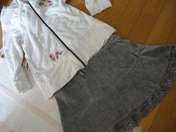 スエード調のチョウミニグレースカート