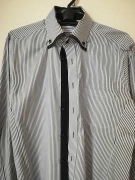 CLOSSHI のドレスシャツ ストライプ!。