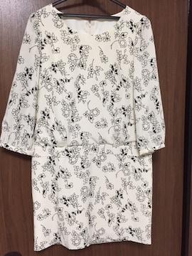 美品 デビュードフィオレ ワンピース 花柄 白 38