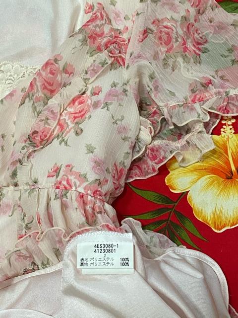 レストローズ☆ピンクバラ柄シフォンミニワンピース☆キャミ付☆ < ブランドの