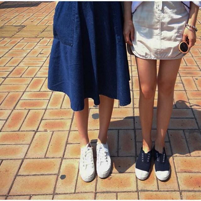 ハイウエスト デニムスカート 膝丈 フレアースカート 春夏 < 女性ファッションの