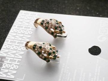 新品 H&M アンティーク調緑ストーン豹ピアス