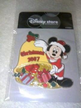 ディズニーストアクリスマスピンバッチ<ミッキー>