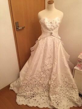 パール・ビジュー付きレース プリンセスウエディングドレス