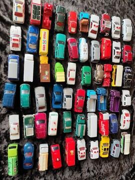 トミカミニカー レア物有ります 子供のおもちゃに60台有ります